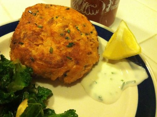 gluten-free sriracha salmon cakes