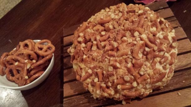 gluten-free cheeseball
